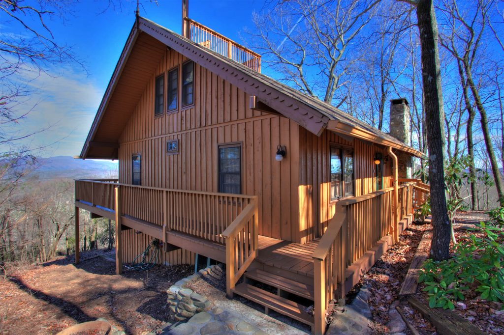 Vacation Cabins in Helen